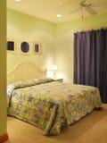 Camera da letto verde Immagini Stock Libere da Diritti