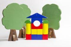 Camera dei blocchi di legno, figure di legno degli alberi, euro soldi, MOD immagine stock