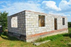 Camera della costruzione dai blocchi in calcestruzzo aerati sterilizzati nell'autoclave con concentrato Fotografia Stock