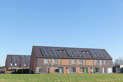Camera della famiglia con i comitati solari Fotografia Stock