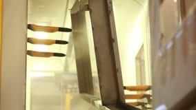 Camera della pittura pittura delle parti di metallo stock footage