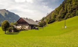 Camera della prateria nelle alpi francesi Fotografia Stock