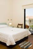 Camera di albergo con la vista della chiesa larnaca Cipro Fotografie Stock Libere da Diritti