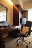 Camera di albergo dell'alta società moderna Immagini Stock Libere da Diritti