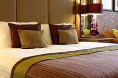 Camera di albergo lussuosa Fotografie Stock Libere da Diritti
