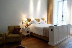 Camera di albergo nella proprietà terriera di Pädaste Immagini Stock