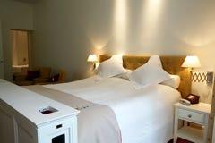 Camera di albergo nella proprietà terriera di Pädaste Fotografia Stock