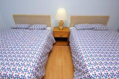 Camera di albergo semplice Immagini Stock