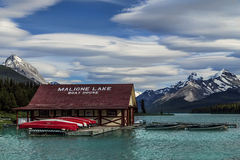 Camera di barca di Maligne del lago Immagini Stock Libere da Diritti