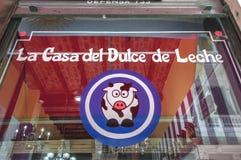 Camera di Dulce il Leche nella città di Buenos Aires fotografia stock