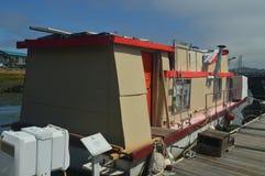 Camera di galleggiamento variopinta fuori in Sausalito vicino a San Francisco fotografia stock