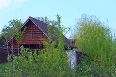 Camera di legno in Forest Nature, concetto di viaggio fotografie stock
