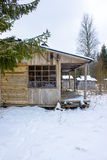 Camera di legno nell'inverno Fotografia Stock