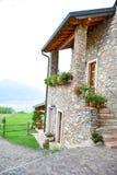 Camera di pietra di estate in San Zeno di Montagna, Italia Immagini Stock