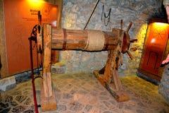 Camera di tortura nel castello di Hunedoara, chiamato castello di Corvin in Transilvania Fotografia Stock Libera da Diritti