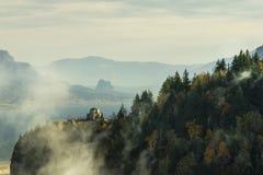 Camera di vista che trascura la gola del fiume Columbia Fotografia Stock