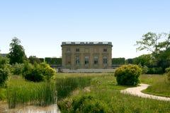 Camera e giardini di Marie Antoinette Immagini Stock