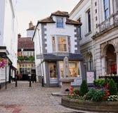 Camera estremamente curvata del mercato in Windsor England fotografia stock