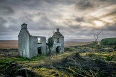 Camera irlandese dimenticata dell'azienda agricola fotografia stock
