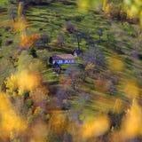 Camera nella campagna di autunno Fotografia Stock Libera da Diritti