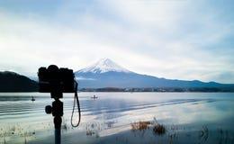 Camera op cameratribune om MT te nemen fuji Royalty-vrije Stock Foto