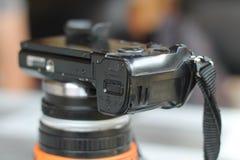 Camera op de lijst, klaar om beelden te nemen stock fotografie