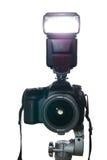 Camera op driepoot met flitsvuren Royalty-vrije Stock Fotografie