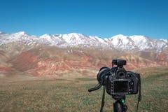 Camera op een driepoot royalty-vrije stock foto's