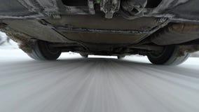 Camera opgezet onder auto stock footage