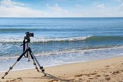 Camera's op een driepoot royalty-vrije stock afbeeldingen