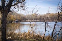 Camera sul fiume nella baia immagini stock libere da diritti