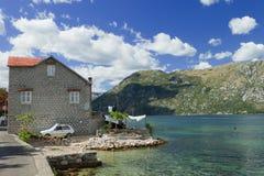 Camera sulla baia di Kotor Fotografia Stock