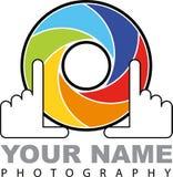 Cameraembleem - kleurrijk blind met handen - illustratie vector illustratie