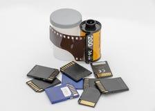 Camerafilm versus geheugenkaarten royalty-vrije stock fotografie