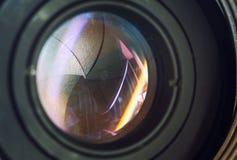 Cameralens met van de het gezoemfoto van lensbezinningen modern ultra de camera vooraanzicht, zwarte DSLR-camera stock foto