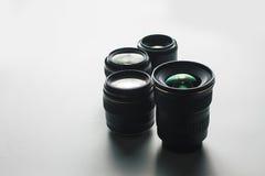 Cameralenzen op een witte oppervlakte Stock Foto