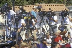 Cameralieden die Senator Robert Dole fotograferen Royalty-vrije Stock Fotografie