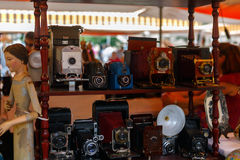 Cameras and other vintage things for sale in Barcelona. Royalty Free Stock Images