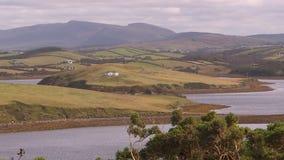 Camere alle colline dell'Irlanda video d archivio