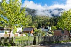 Camere con il fondo dei picchi delle alpi delle montagne Fotografia Stock Libera da Diritti