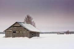 Camere del granaio dopo la tempesta della neve Fotografia Stock Libera da Diritti