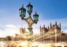 Camere del Parlamento con i semafori alla notte Immagine Stock Libera da Diritti