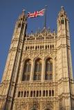Camere del Parlamento con la bandiera di Union Jack, Londra Fotografie Stock Libere da Diritti
