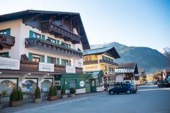 Camere della cittadina Uttendorf in montagna delle alpi in Austria Fotografie Stock Libere da Diritti