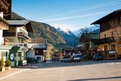 Camere della cittadina Uttendorf in montagna delle alpi in Austria Immagini Stock