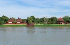 Camere lungo il fiume in Tailandia Fotografia Stock Libera da Diritti
