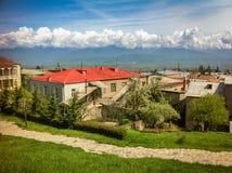 Camere nei precedenti delle montagne georgiane Fotografie Stock Libere da Diritti
