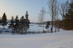 Camere nel campo nevoso Fotografia Stock Libera da Diritti