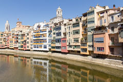 Camere sopra il fiume, Girona fotografia stock
