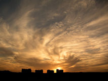 Camere sotto il cielo drammatico Fotografie Stock